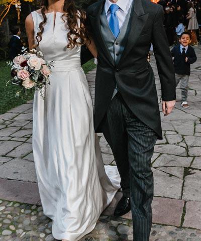 elegante vestido para novia a la venta hecho en seda natural en