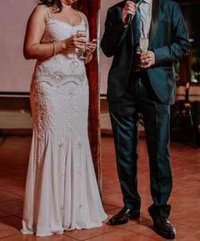 Vestido de novia con pedrería en venta